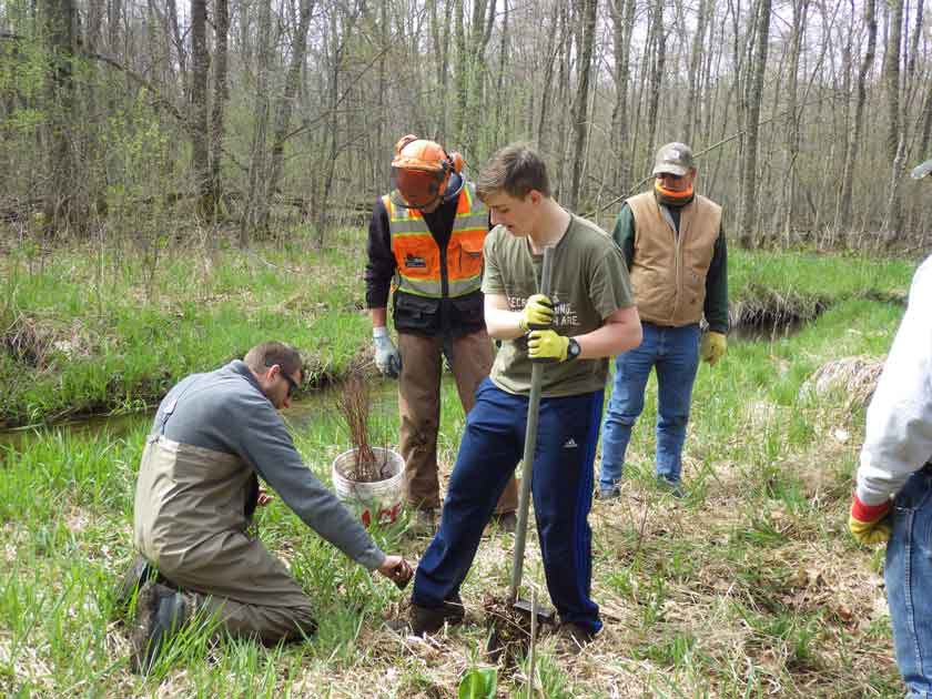 Davies Creek Habitat Day Kicks Off 2017 Season
